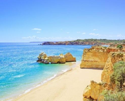 Les secrets du confort de vivre de l'Algarve se trouvent entre les loisirs récréatifs des zones littorales et la sérénité de cette autre Algarve sacrée, parsemée de lieux de bien-être et de détente.