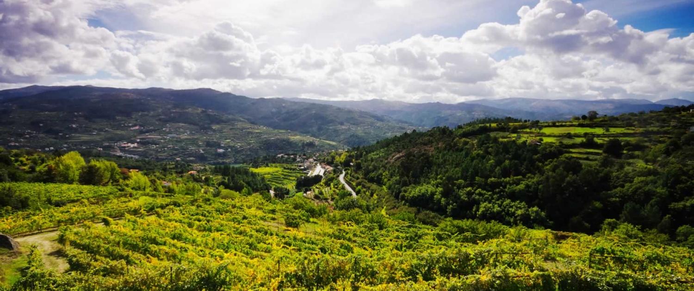 Région aux massifs montagneux imposants et aux vastes plaines traversées par d'importants fleuves et rivières tels que le Tage ou encore le Zêzere, mais aussi un carrefour d'influences ethniques et religieuses.