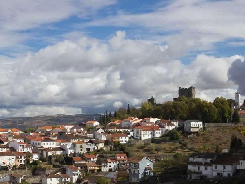 Le château Castelo de Bragança, datant du 12ème siècle et à l'architecture gothique, est un des plus importants et des mieux conservés du Portugal.