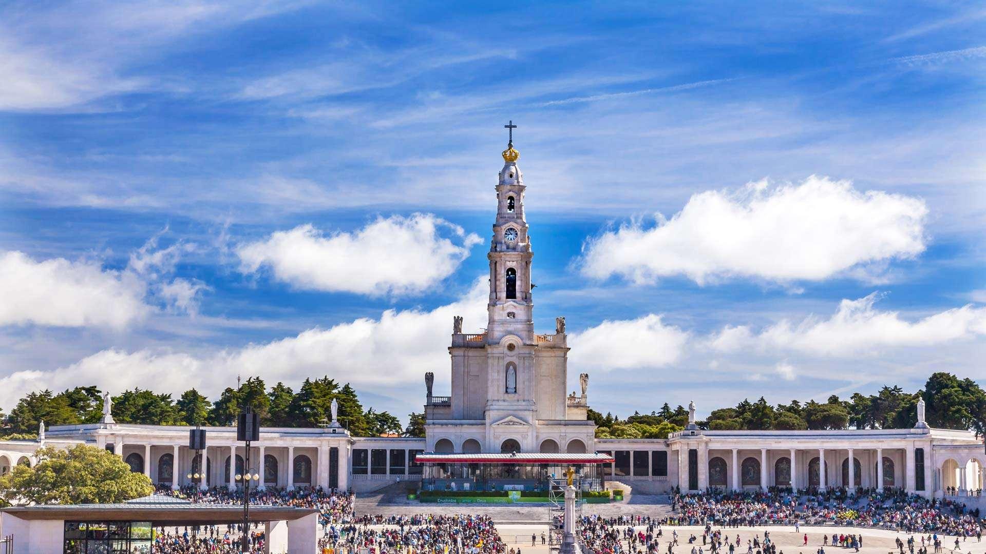 Il n'existe pas au Portugal de village aussi petit soit-il, de ville qui ne possède une ou plusieurs églises, 75% du patrimoine portugais est d'origine religieuse.