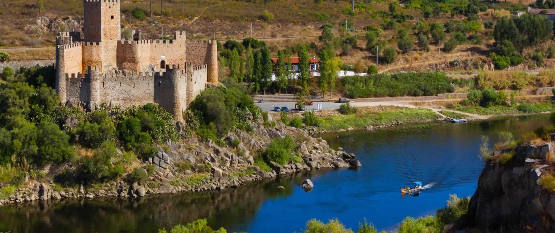 L'une des régions les plus fertiles du Portugal grâce au grand fleuve qui la traverse, où le cheval lusitanien y est élevé et où l'art de la tauromachie à la portugaise est la plus ancrées dans les mœurs et coutumes.