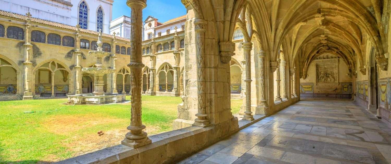 L'église de Santa Cruz est l'un des édifices religieux les plus fascinants de Coimbra qui a reçu le statut de Panthéon National du Portugal.
