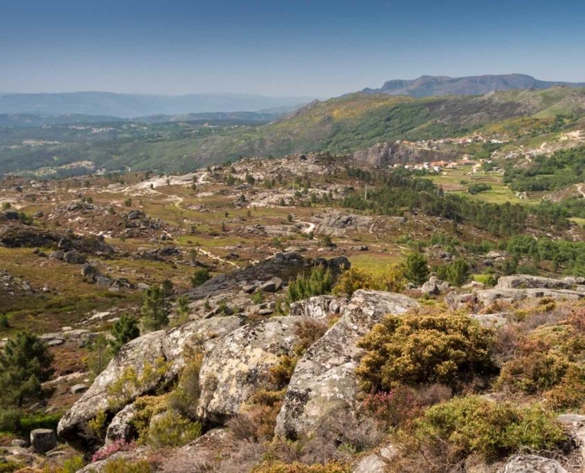 Avec ses cascades liées à de nombreux accidents géologiques et une grande diversité d'écosystèmes naturels transforment votre promenade en un pèlerinage d'authenticité.