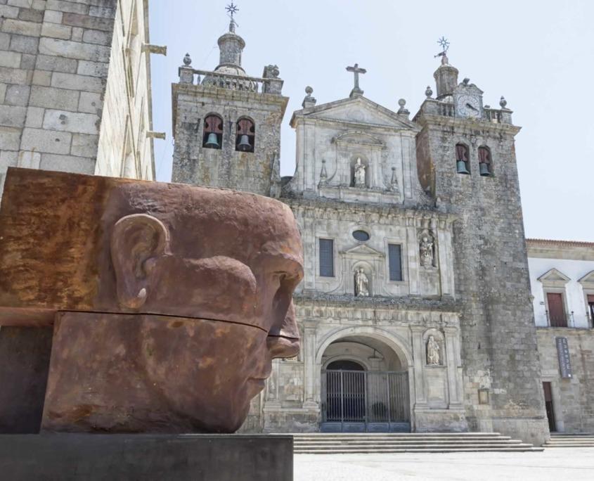 Reconnu pour sa qualité de vie, Viseu a été considéré par deux fois comme le meilleur endroit pour vivre au Portugal, occupée depuis la nuit des temps, son histoire est étroitement liée à l'Histoire du Portugal.