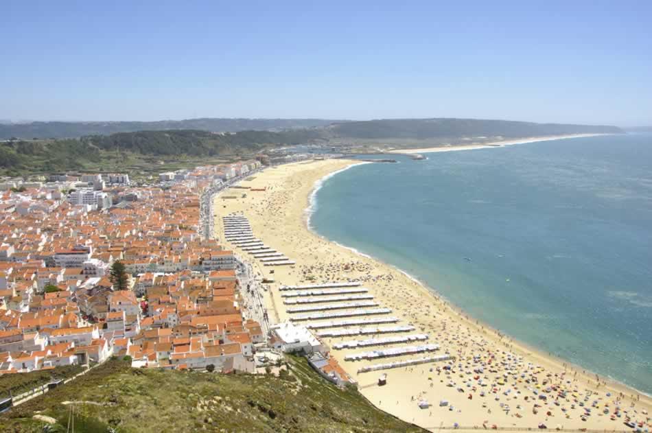 Excursion d'une journée du Nord de Lisbonne: Obidos, Alcobaça, Nazaré, Batalha, Sanctuaire de Fatima.